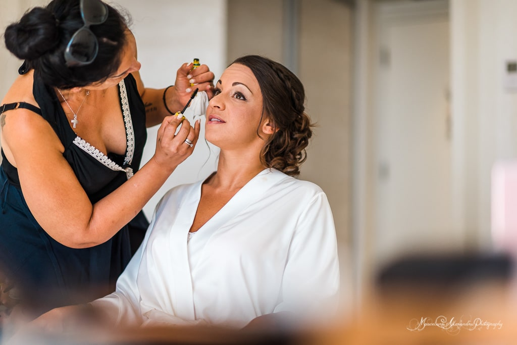 Another moment when the bride is getting ready, the wedding at Minthi Hills is two hours away.
