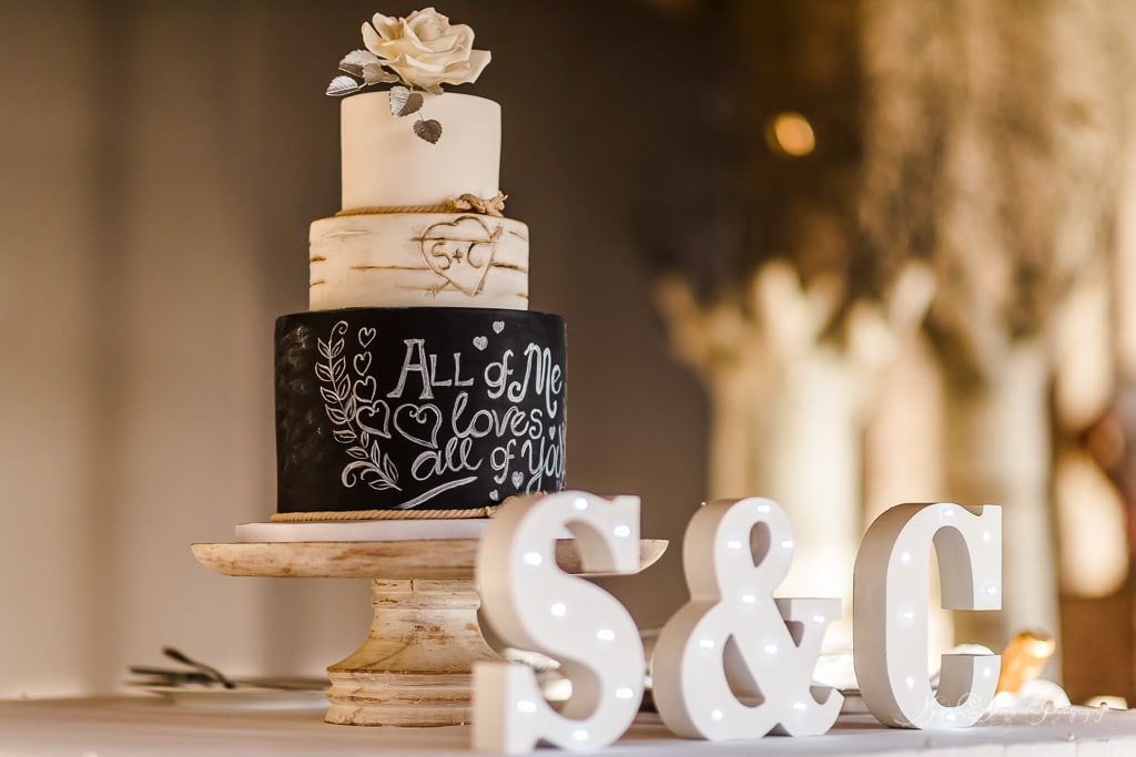 The wedding cake photography by Alexandru Macelaru at Minthis Hills.