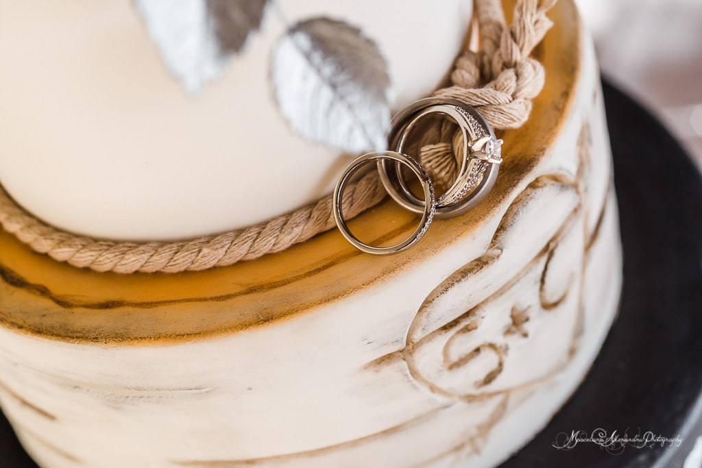 Photo of the wedding rings of Claire and Steve that got married at Minthis Hills