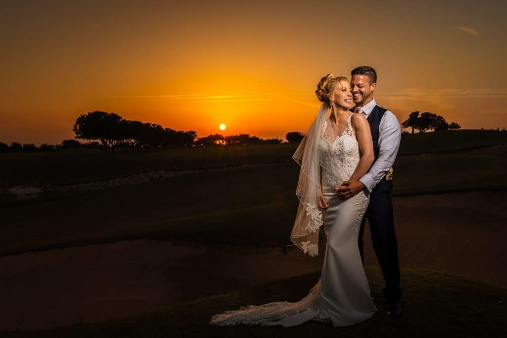Couple at sunset - Wedding photographer